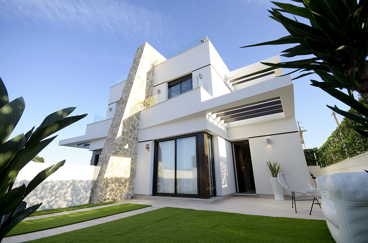 Prime Properties Club - Modern semi-detached house in ...